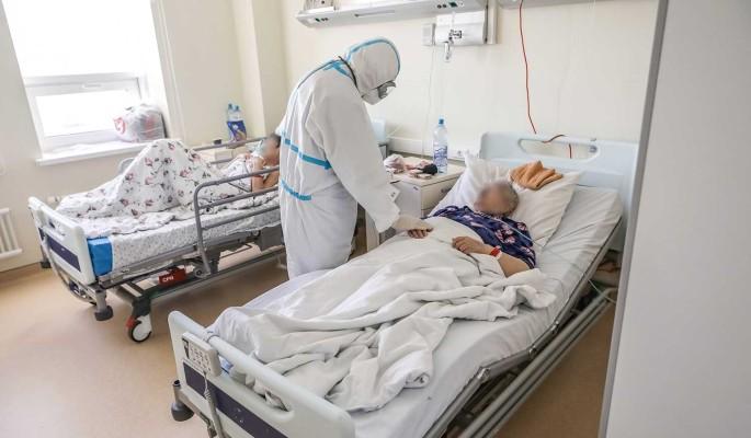 Профессор Власов предлагает лечить коронавирус чаем с малиной