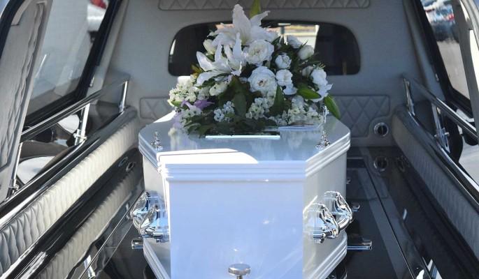 """Могила у дороги: как похоронили впавшую в кому жену звезды """"Три аккорда"""""""