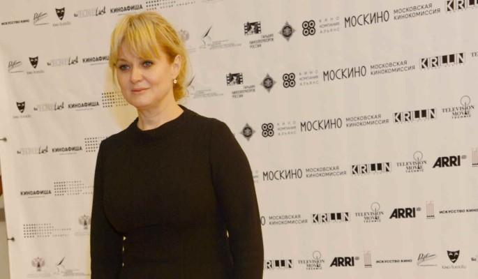 Анна Михалкова похвасталась молодой матерью