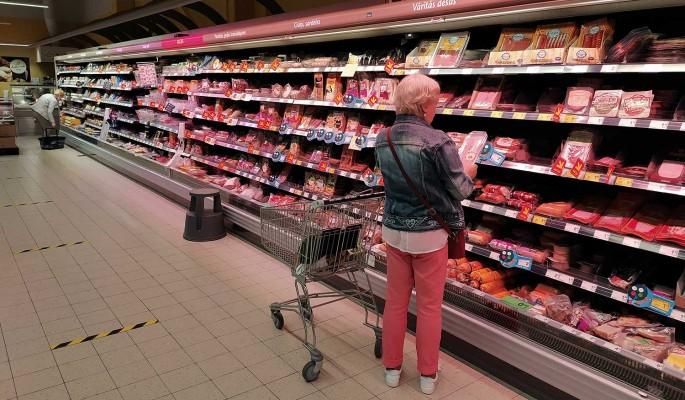 Россиян предупредили о скачке цен на колбасу и сосиски