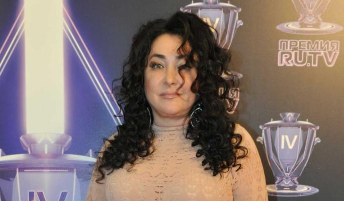 Обвисшая грудь и седые волосы: изменившаяся до неузнаваемости Лолита вызвала оторопь