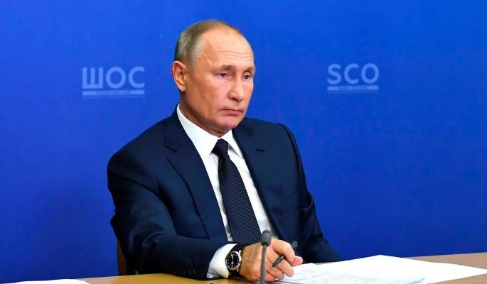 Путин о закрытии телеканалов на Украине: Прихлопнули одним росчерком пера