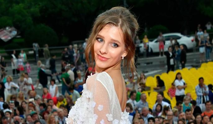 Лиза Арзамасова объяснила выбор странного свадебного платья