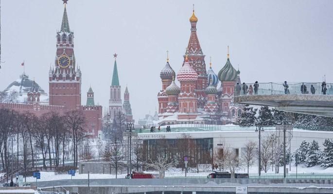 """Российских мужчин поздравят с 23 февраля """"Горячим женским маршем"""""""