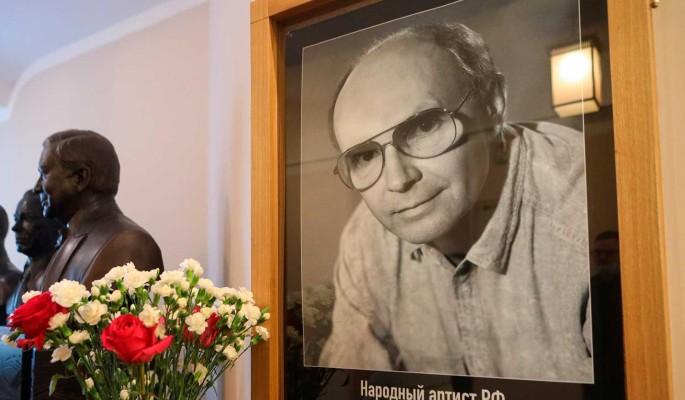 На похоронах заговорили о затворничестве Мягкова
