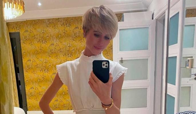Разбил не одно девичье сердце:  Мирослава Карпович показала красавца-брата