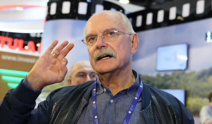 Деньги ваши – будут наши: Вскрылись данные о связи Михалкова с семьей Баталова