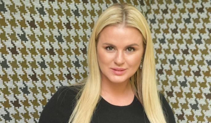 Оскорбленная Семенович объявила войну известному футболисту
