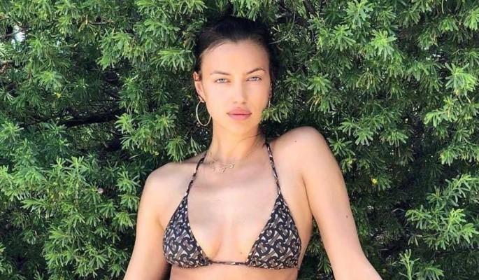 Подразнила народ: 35-летняя Ирина Шейк вывалила грудь