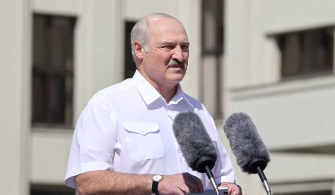Лукашенко высказался о трансфере власти в Белоруссии: Это наше дело