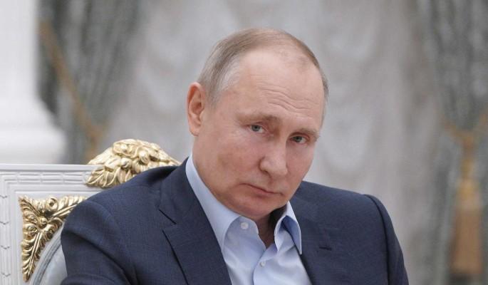 Путин поддерживает более активное участие волонтеров в политике