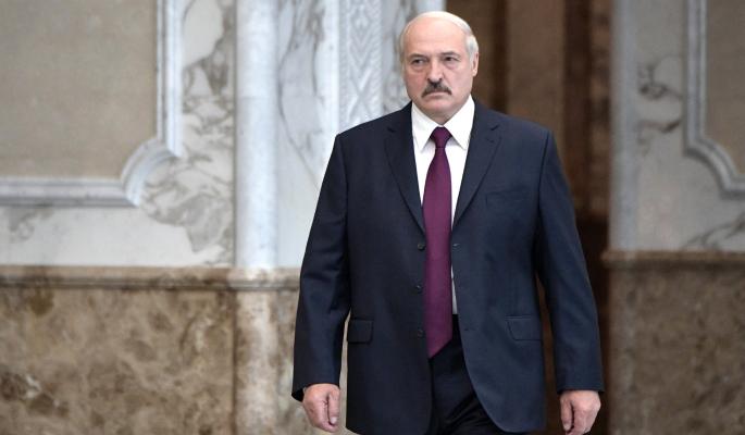 """Лукашенко входит в весну 2021 года """"босым и голым"""" – политолог Суздальцев"""