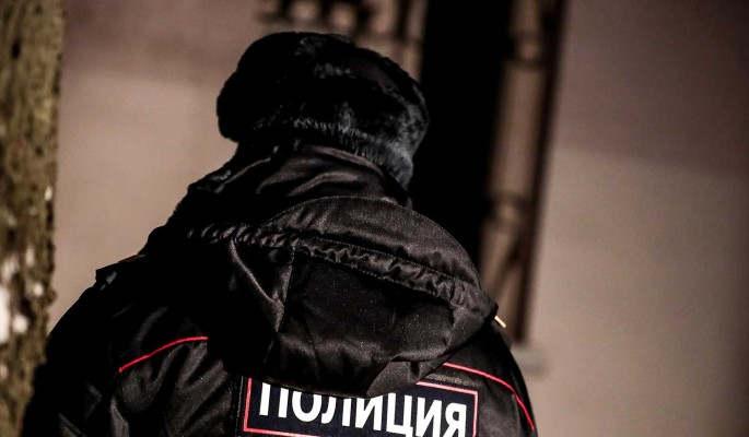 """Искромсал лицо"": Звезду шоу ""Песни"" зверски избили"