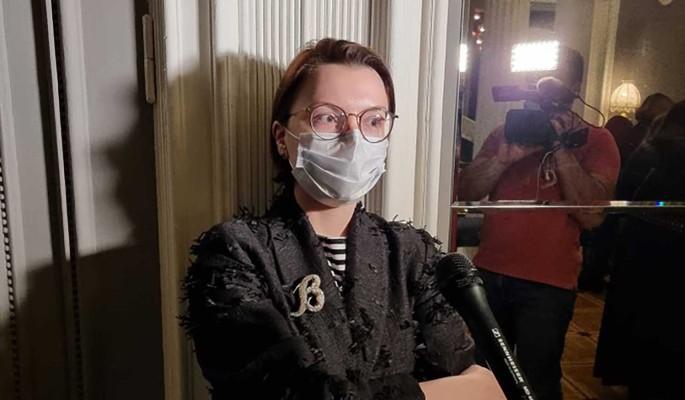 """""""Нормальная женщина не хочет быть Золушкой"""": Брухунова в растянутом свитере вызвала оторопь"""