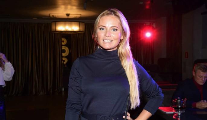 Узнавшая о внушительном достоинстве Борисова оказалась у койки Солнцева в ночнушке