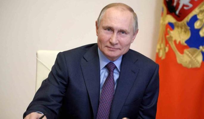Путин назвал сроки снятия коронавирусных ограничений в России