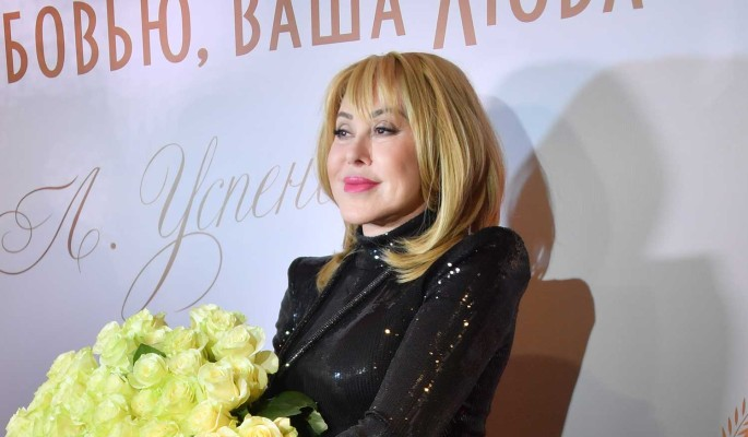 Мадонна всея Руси: Престарелую Успенскую смешали с помоями за торчащие соски
