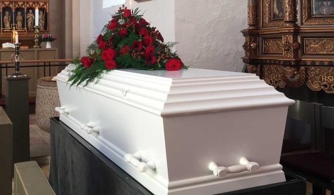 Он любил Россию: умершего в Париже 72-летнего Арнольда решили похоронить на Новодевичьем кладбище