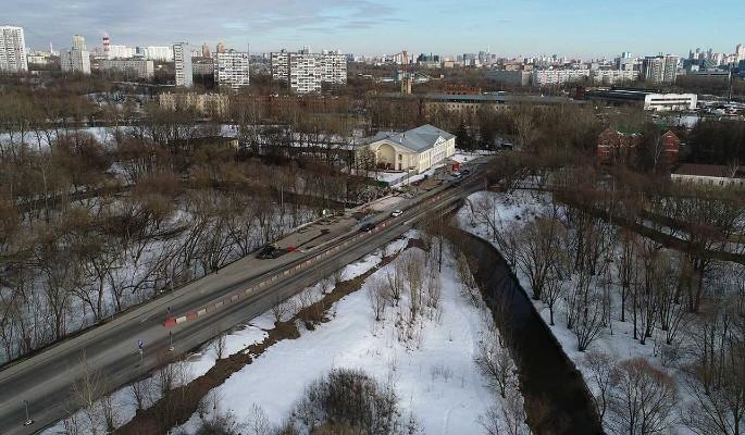 Названы сроки окончания капремонта моста через реку Сходня в Южном Тушине