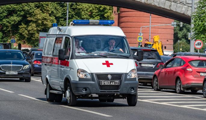 Врачи не пускают жену и сына к загремевшему в больницу Киркорову