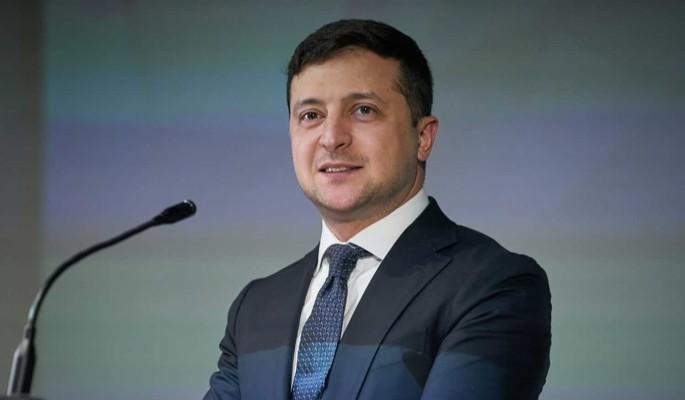 Зеленского обвинили в нарушении законов: Правосудие на Украине уничтожается