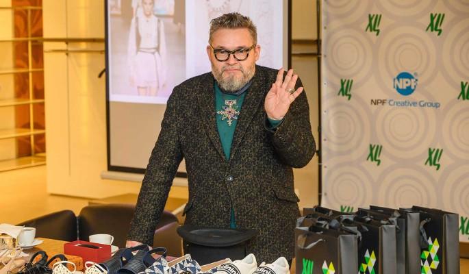 Бюстгалтеры поверх пальто и розовые платья для мужиков: Васильев шокировал тенденциями