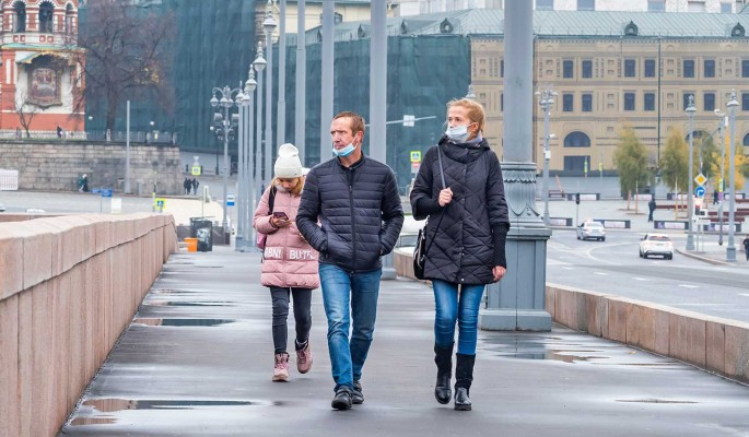 Суточный прирост заразившихся COVID-19 россиян составил 8,2 тысячи