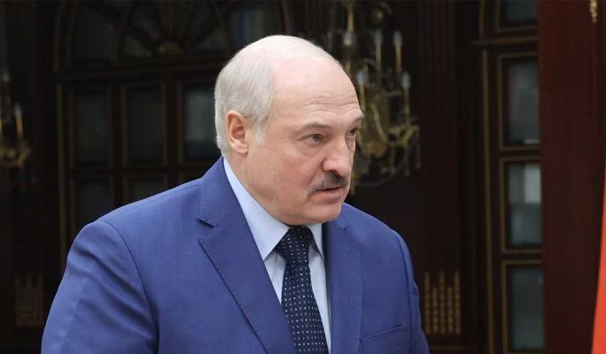 Лукашенко скорее уничтожит всю страну, чем откажется от власти – политолог Суздальцев