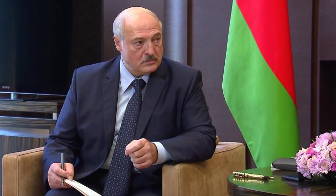 Карбалевич объяснил возросшую потребность Белоруссии в российской поддержке: Позиции Лукашенко ослабли