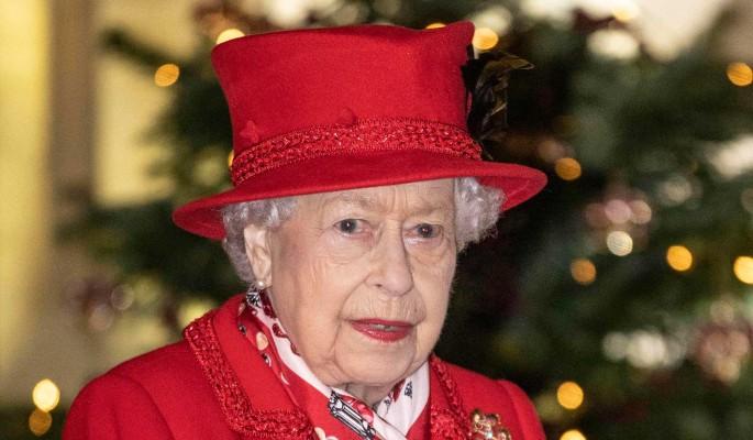 Овдовевшая Елизавета II нарушает традиции королевской семьи