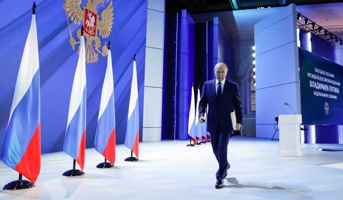 Цитаты из послания Путина Федеральному Собранию оставят на медиафасадах на двое суток