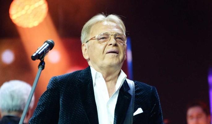 """""""У меня нет возможности ее содержать"""": 76-летний Антонов отрекся от юной цыпочки"""