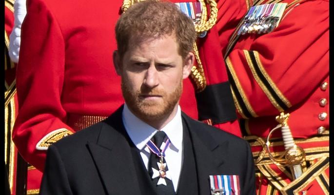 """""""Продолжаться по-старому больше не может"""": встреча с родней вселила в принца Гарри сомнения"""
