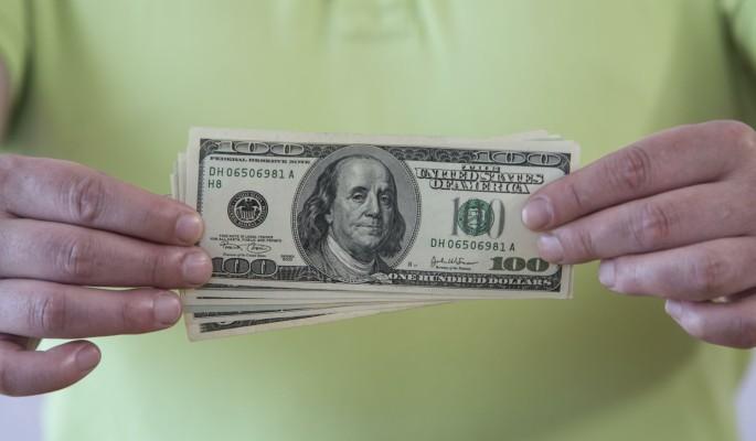 Россиян предупредили об опасности покупки долларов