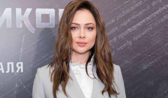 """""""Зубы не приживутся"""": проклявшей друга Самбурской потребовалась помощь врачей"""