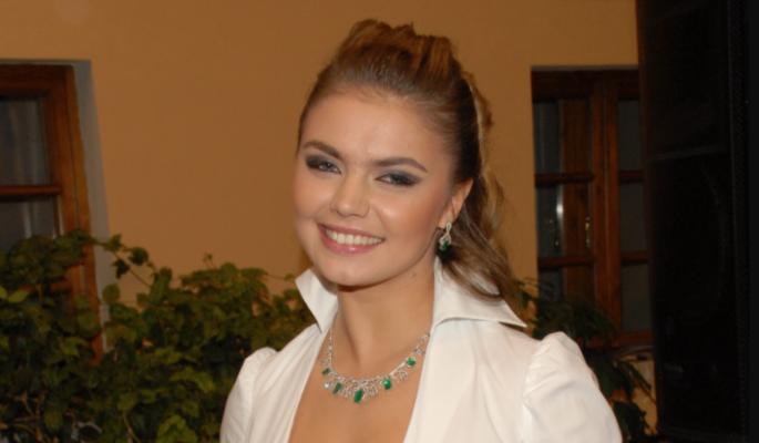 Из-за жесткого нарушения Алины Кабаевой случилось ужасное: Выкинули с балкона