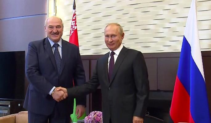 Путин поговорил по телефону с Лукашенко: раскрыты подробности