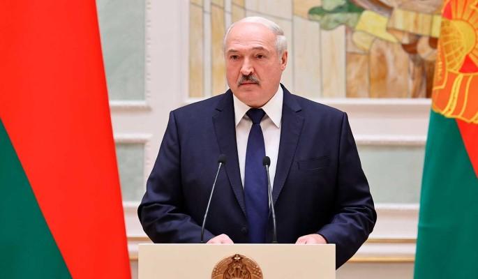 Политолог Класковский о подписании Лукашенко декрета о передаче власти: Режим держится на дубинках и штыках