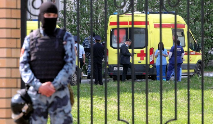 СМИ: мотивом стрелявшего в казанской школе могла стать месть