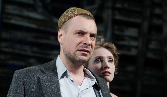 Многодетный Евгений Цыганов изменил отчество одной из дочерей