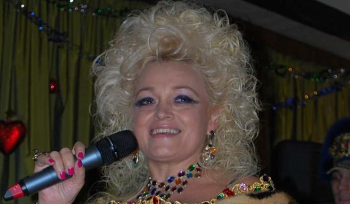 """61-летнюю Кадышеву отправляют на """"Евровидение"""" вместо Манижи"""