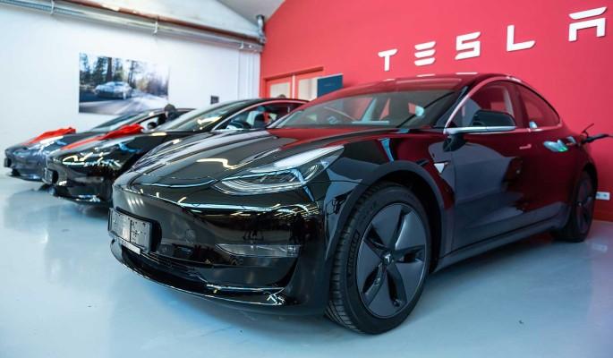 Маску предложили производить Tesla в Подмосковье и Калужской области