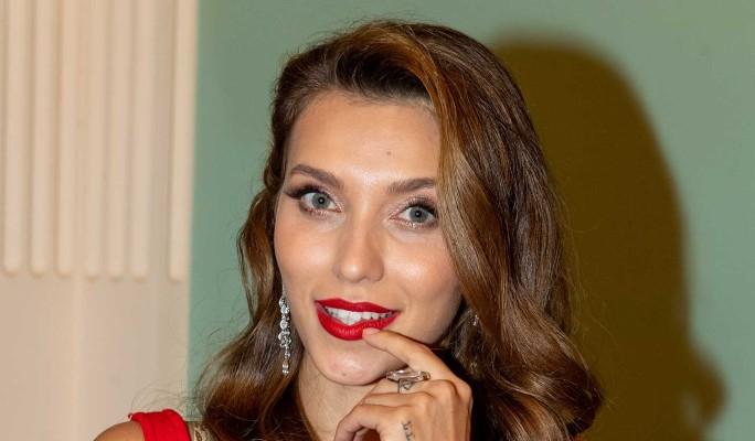 """""""До сих пор лежит"""": обеспокоенная Тодоренко о состоянии Топалова после операции"""