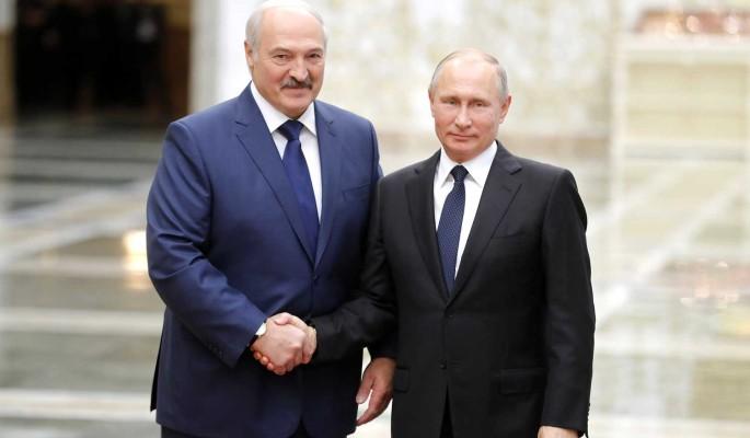 Что привез Лукашенко Путину в черном чемодане