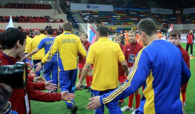 Украине хотят запретить использовать оскорбительную форму футболистов с Донбассом и Крымом