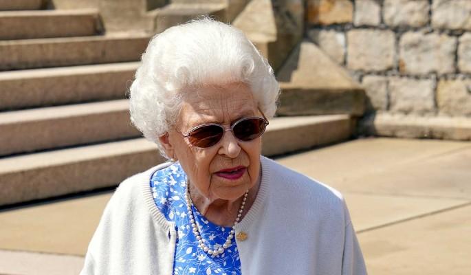 Королева Елизавета 2 в возрасте 95 лет сильно сдала после пережитых  потрясений :: Шоу-бизнес :: Дни.ру