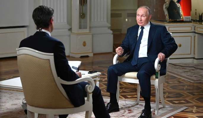 """""""Удалось поглумиться над американцами"""": политолог Лукьянов оценил юмор Путина в интервью NBC"""