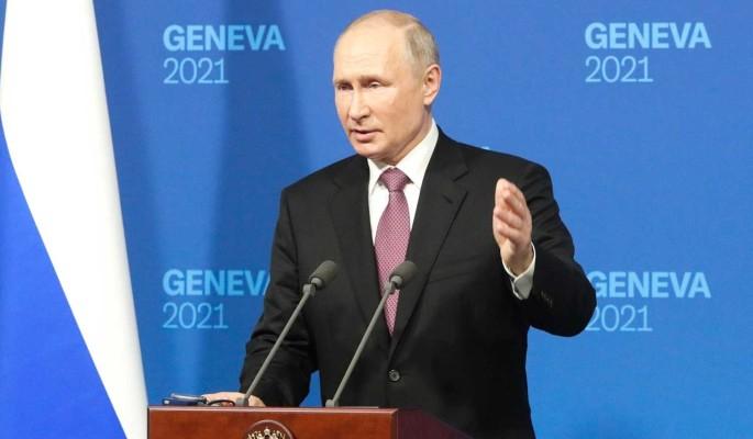 Американцы восхитились поведением Путина после встречи с Байденом: Отлично знает, что делает