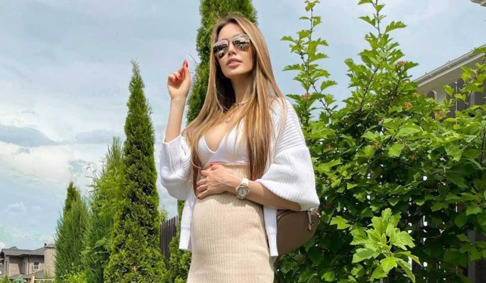 Глубоко беременная Костенко появилась перед народом в кислородной маске: Сдали ПЦР