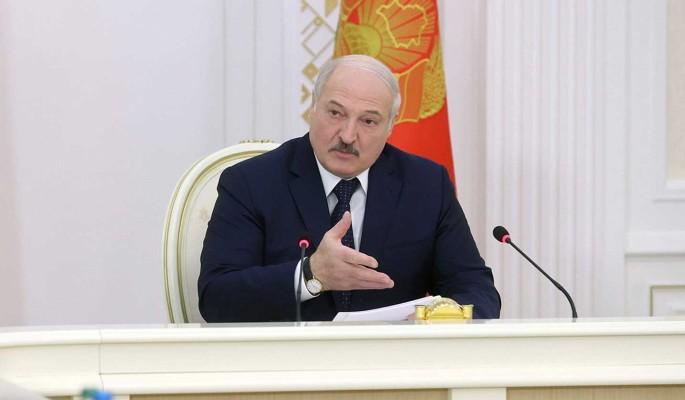Цепкало назвал Лукашенко трусом: Испугался дискуссии с домохозяйкой Светой